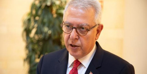 ABD'li Senatör Mendes Salı günü adaya geliyor