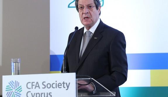 Anastasiadis ile AKEL arasında 'ödünç Kıbrıs Türk oyu' polemiği