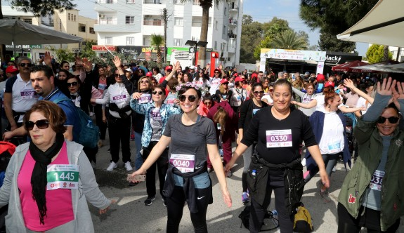 """""""Bilinçli Toplum Sağlıklı Gelecek Yürüyüşü"""" yapıldı"""