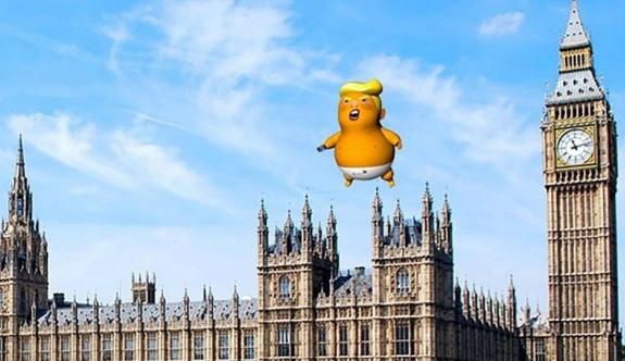Donald Trump'ın devasa bebeği geri dönüyor