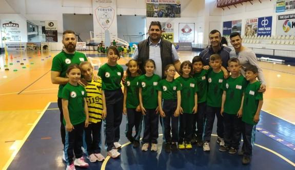 Erenköy'de atletizm şenliği düzenlendi
