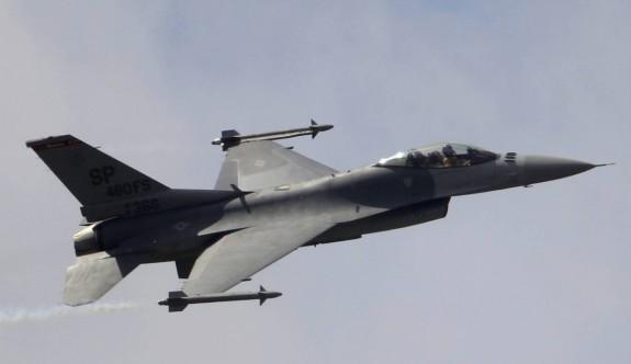 Fransız savaş uçakları Kıbrıs semalarında