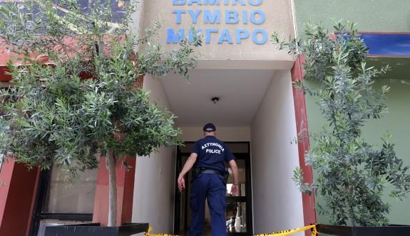 Güney Lefkoşa'da bir apartmanın çatısında kadın cesedi bulundu