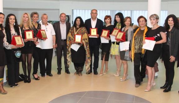 Kadın Ressamlar Buluşması Yeniboğaziçi'nde açıldı