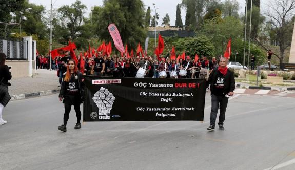 """KTOEÖS """"göç yasası"""" için grev ve eylem yaptı"""