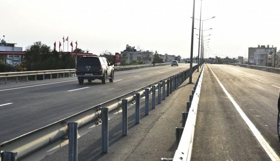 Lefkoşa - Güzelyurt Anayolu, çift yönlü olarak trafik akışına açıldı