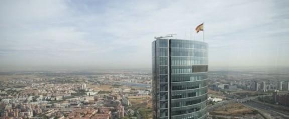 Madrid'de gökdelende bomba paniği