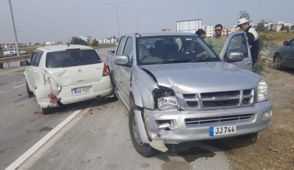 Yeni açılan yolda ilk kazada bir çocuk yaralandı