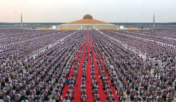 1 Milyon Çocuk Bir Araya Gelerek Dünya Barışı İçin Meditasyon Yaptı