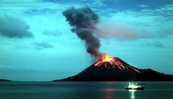 Etkileyici Manzaralarıyla Aktif Volkanlar