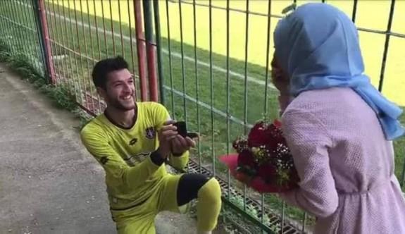 Futbolcunun teklifi, sahada olur