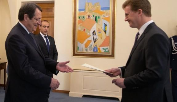 İngiliz Yüksek Komiseri'nden izahat istediler