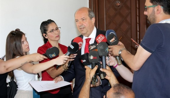 Tatar'dan Akıncı'ya ayar verme göndermesi
