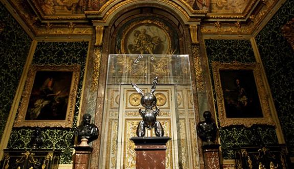 'Tavşan' heykeli rekor fiyata satıldı