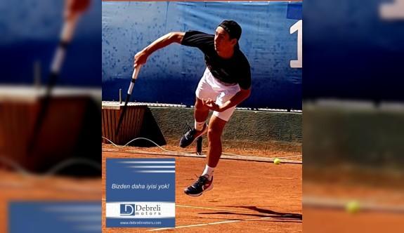 Tenisin zirvesi, DAÜ'de raket sallıyor