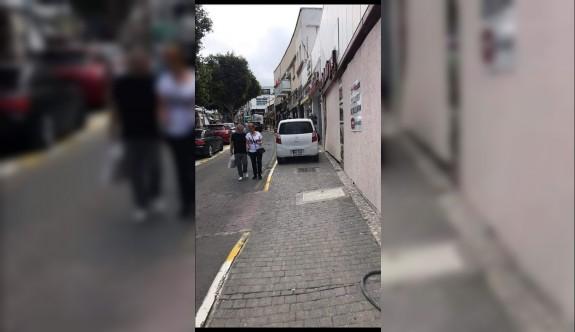 """""""Yollar vatandaşlar için, kaldırımlar arabalar için mi?"""""""