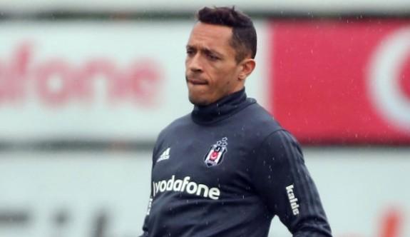 Adriano'ya şok hapis cezası