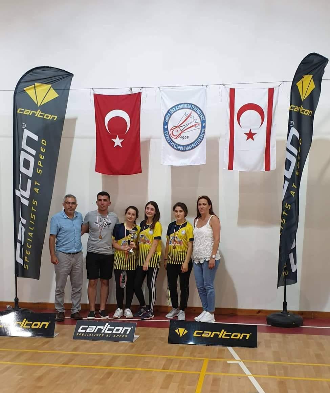 Badminton Gençler Ligi'nde şampiyon YDÜ