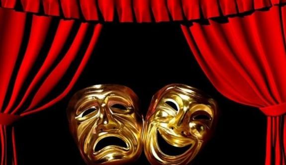 """İki toplumlu işitme engelli gençlerden """"Aynanın Sessizliği"""" adlı oyun"""