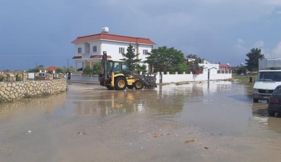 İskele ve Geçitkale bölgesi sağanak yağmura teslim