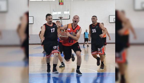 Poliste basketbol heyecanı sürüyor