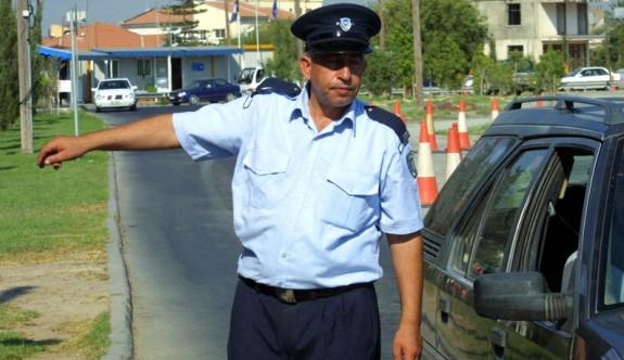 Rum polislerden geçiş kapılarında kötü muamele
