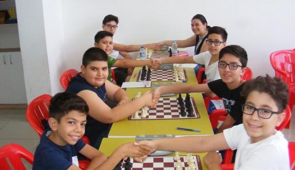 Satrançta şampiyon Dumlupınar