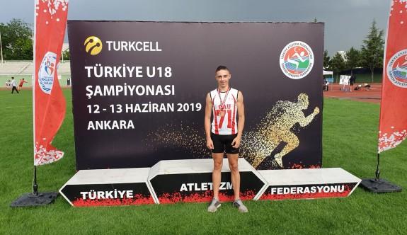 Taygun Derviş, Ankara'da kürsüde