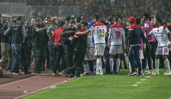 Tunus ile Fas arasına futbol girdi