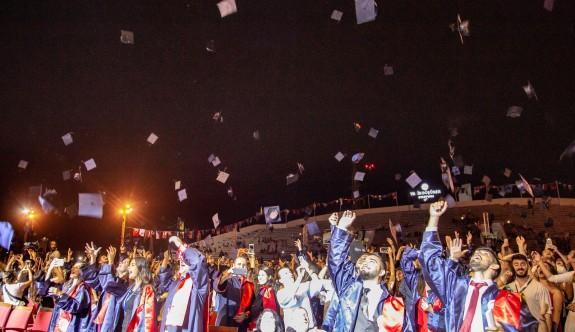 DAÜ'den 2 bin 123 mezun daha