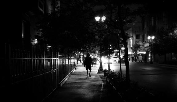 Genç kızın Lefkoşa sokaklarında yaşadığı korku dolu anlar