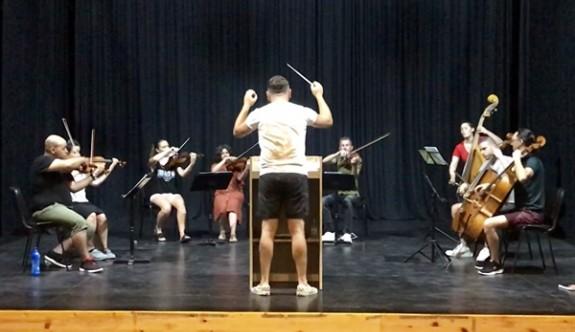 Girne Belediyesi Oda Orkestrasının ilk konseri Perşembe akşamı