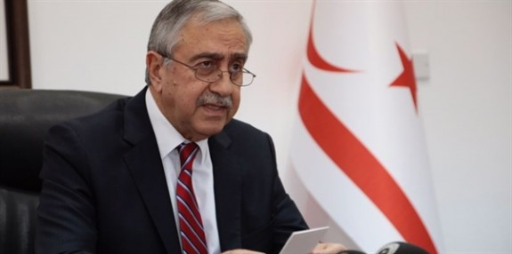 """""""Kıbrıs Türk halkını yok sayan her davranış yok hükmündedir"""""""