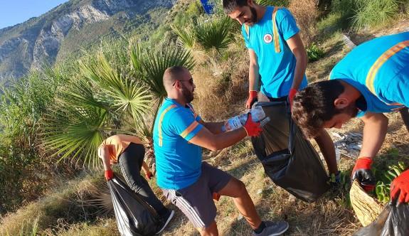 130 büyük çöp poşeti çöp toplandı