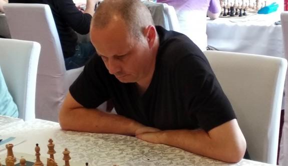 Alsancak'ta satranç heyecanı yaşandı