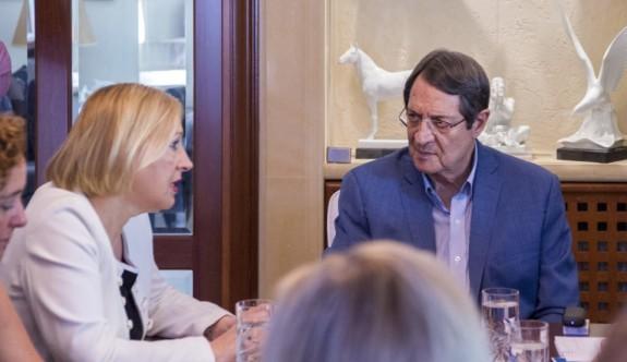 Anastasiadis, Rum siyasi partileri toplantıya çağırdı