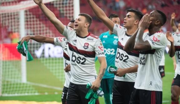 Flamengo 35 yıl sonra yarı finalde