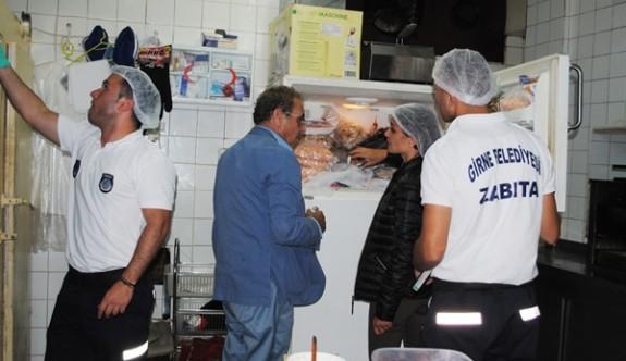 Girne Belediyesi dört işletmeyi mühürledi