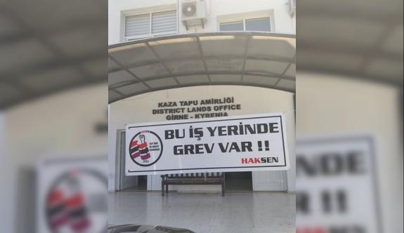 Girne Tapu Dairesi'nde uyarı grevi yapıldı