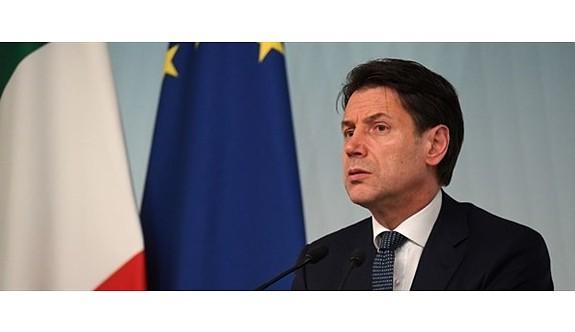 İtalya'da hükümet krizi derinleşti
