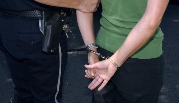 KKTC'den Güney Kıbrıs'a uyuşturucu geçiren çete tutuklandı