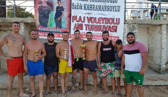 Kumyalı'da Plaj Voleybol Anı Turnuvası tamamlandı