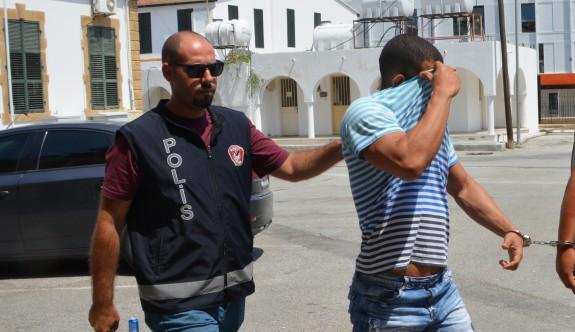 Rum Lokmacı'dan giriş yaparken uyuşturucuyla yakalandı