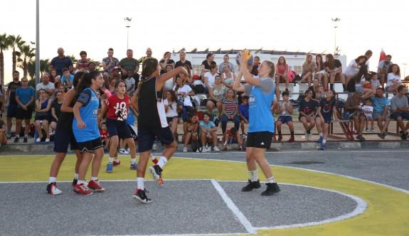 Sokakta basketbol coşkusu başladı