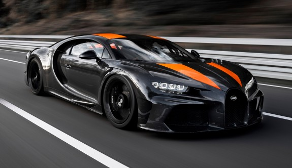 Bugatti Chiron'un yeni versiyonu 490 km/s'yi aştı
