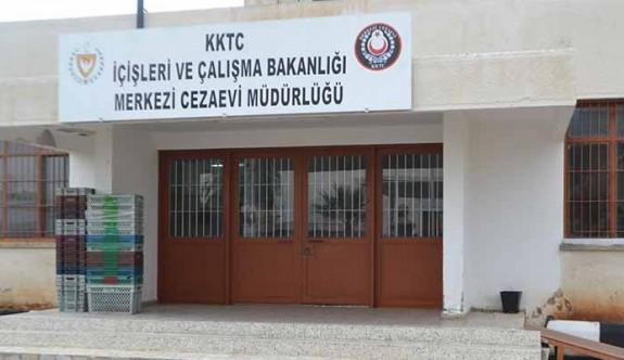 Cezaevi'nde KTAMS ve Kamu-Sen'den grev