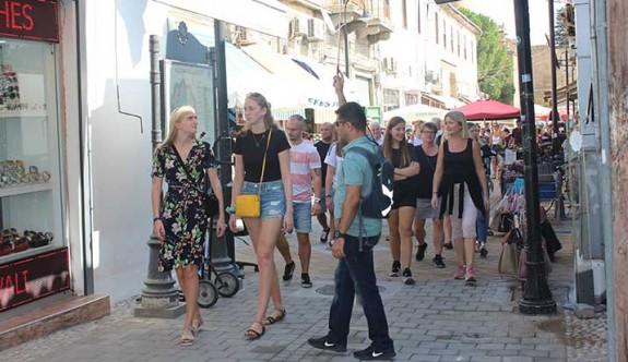 Güney'den KKTC'ye gelen turist sayısı 2 milyon