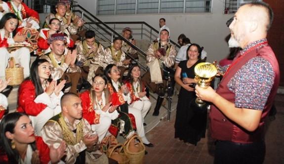 İskele Belediyesi Halk Dansları Topluluğu'na Balçova'da birincilik ödülü