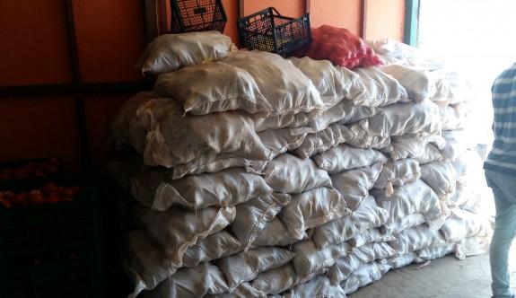 Kaçak 800 çuval patates imha edildi