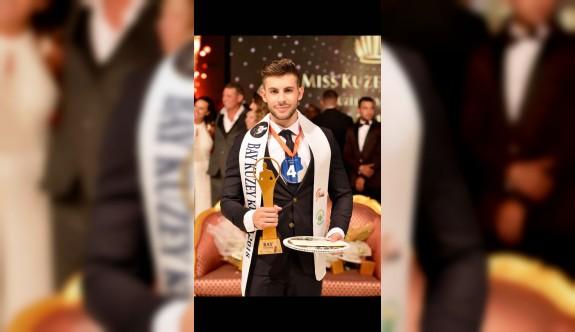 Kuzey Kıbrıs, Tayland 'da  dünya  bayları  ile  Mister Global Dünya Yarışmasında